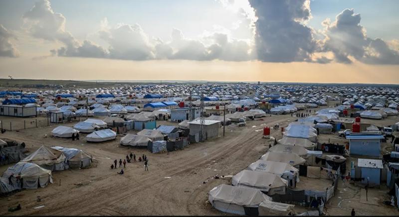 El Hol mülteci kampı