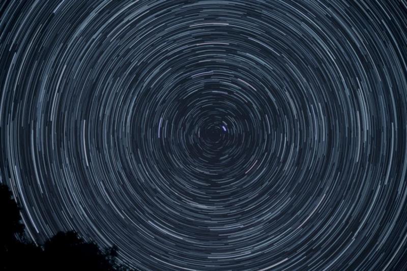 Gökbilimciler, Dünya dışı yaşamın bilerek ya da kazara yaydığı radyo sinyallerini arıyor (Unsplash).jpg