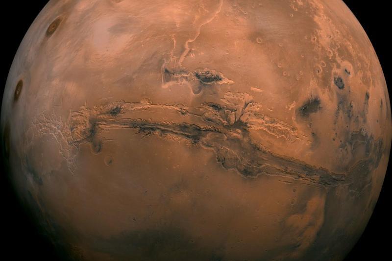 Musk, 2050 yılına kadar 1 milyon insanı Mars'a göndermeyi planladığını söylemişti (NASA).jpeg
