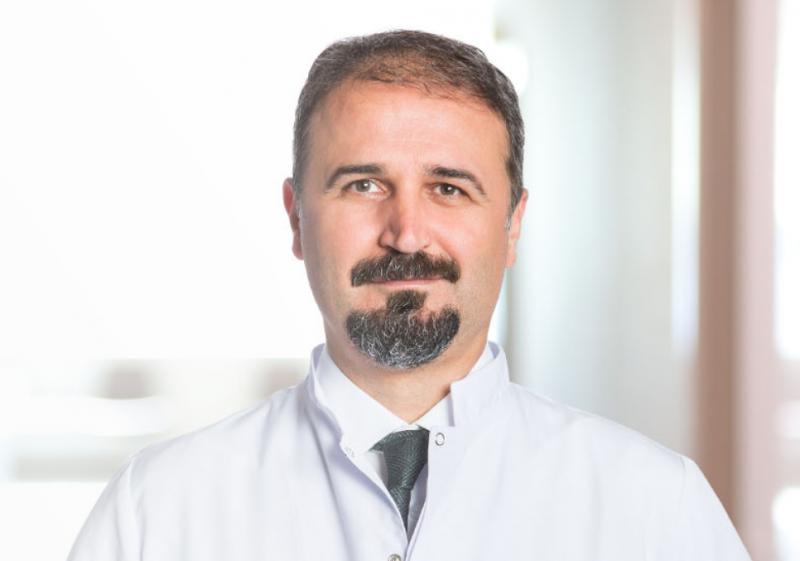Prof. Dr. Ayhan Dinçkan İstinye Üni Medical Park.png