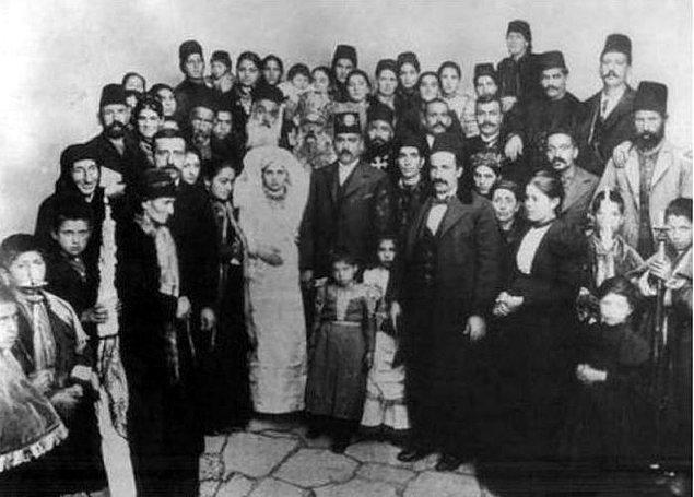 Bir Ermeni düğünü.jpg