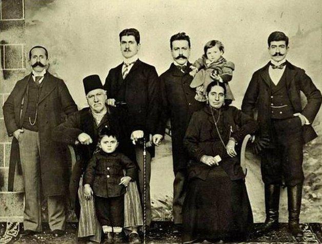 Diyarbakırlı Ermeni bir aile.jpg