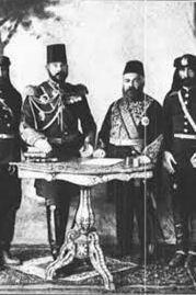 İbrahim Millî Paşa, Hamidiye Alayı kurucusu Zeki ve Mustafa paşalarla birlikte.jpg