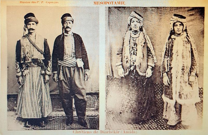 Rahiplerin hazırladığı kartpostal-Diyarbakırlı Hıristiyanlar-kaynak-Toplumsal Tarih .jpg