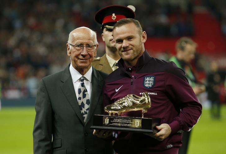 Bobby Charlton-Rooney-Reuters.jpg