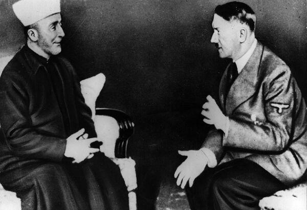 İngiliz işgalcilerine karşı direniş sürecinde Almanya'ya geçip Hitler ile görüşen Kudüs Müftüsü Hacı Muhammed El Huseyni .jpg