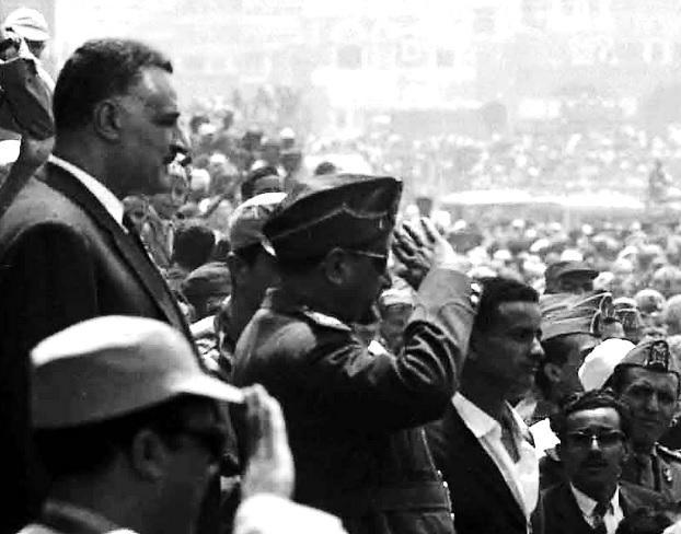 Mısır lideri Abdülnasır, darbeyle iktidarı alan cumhuriyetçi A. El Sellal'ı ziyareti sırasında-başkent Sana.jpg