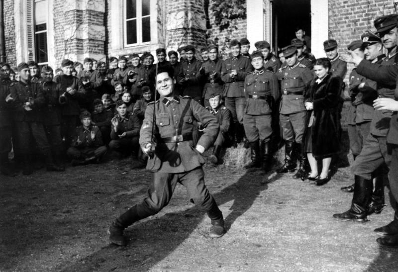 Nazi ordusunda Türkistanlılar-Ekim1943-Kuzey Fransa.jpg