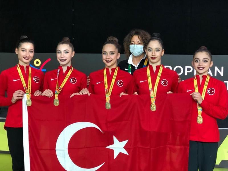 Altın kızlar - Cimnastik federasyonu.jpg