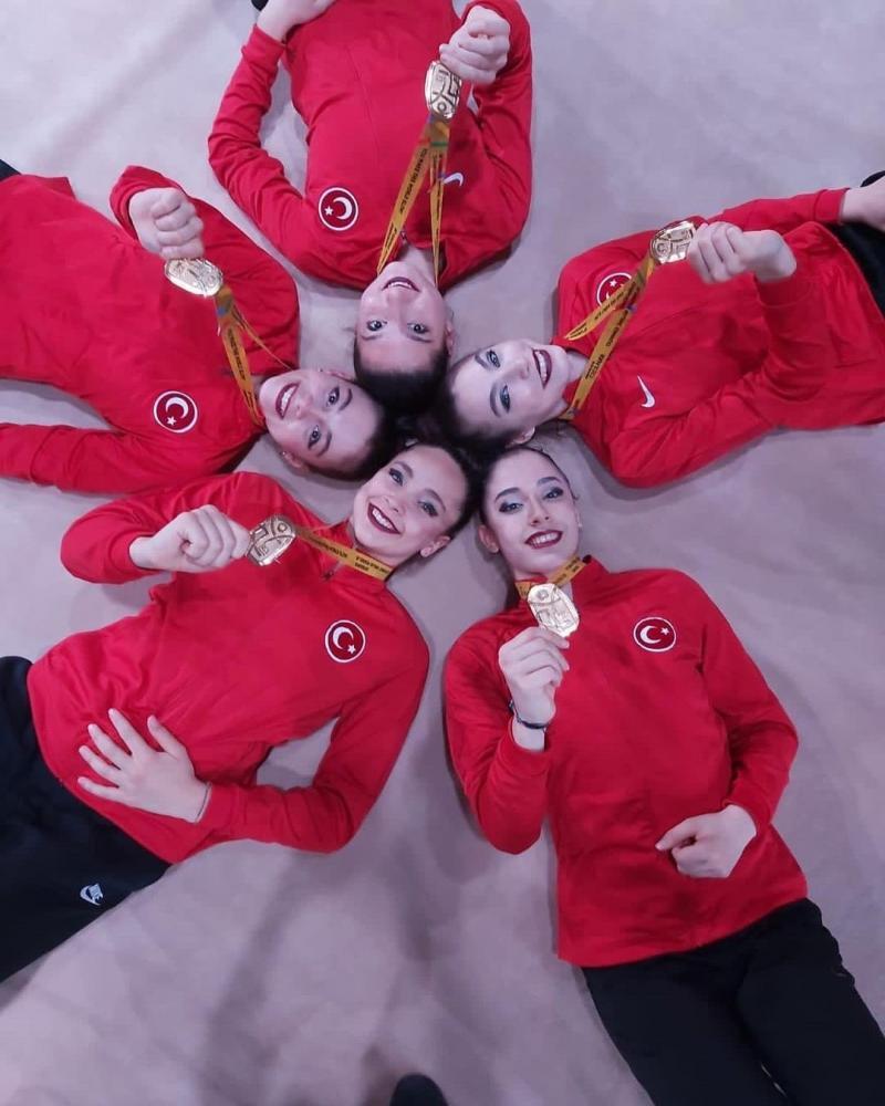 Altın kızlar - Cimnastik federasyonu1.jpg