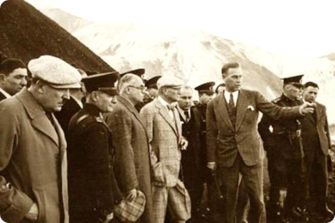 M. Kemal Atatürk-Dersim meselesinin askeri yöntemlerle kökünden halledilmesi emri verdi.jpg