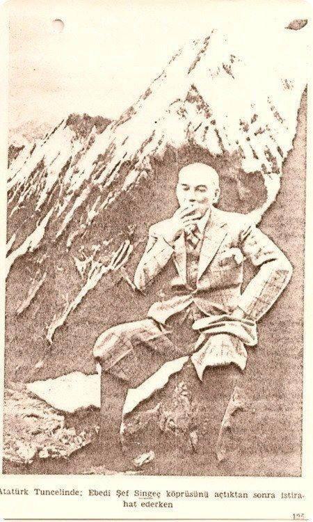 Singeç Köprüsü açılışı sonrası M. Kemal Atatürk istirahat ediyor.jpg