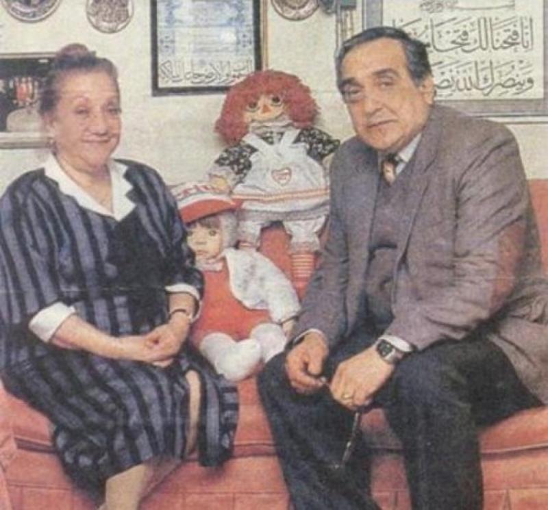 Adile Naşit ve tiyatrocu ağabeyi Selim Naşit.jpg