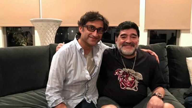İngiliz yönetmen Asif Kabadia, Maradona ile buluşmasında -001.jpg