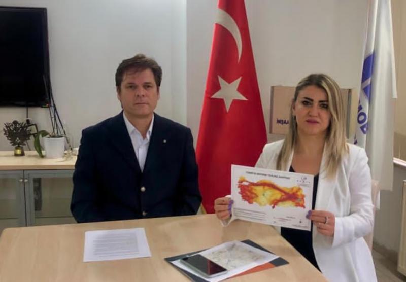 Gürkan Özcan ve Aysun Aykan Independent Türkçeü.jpg