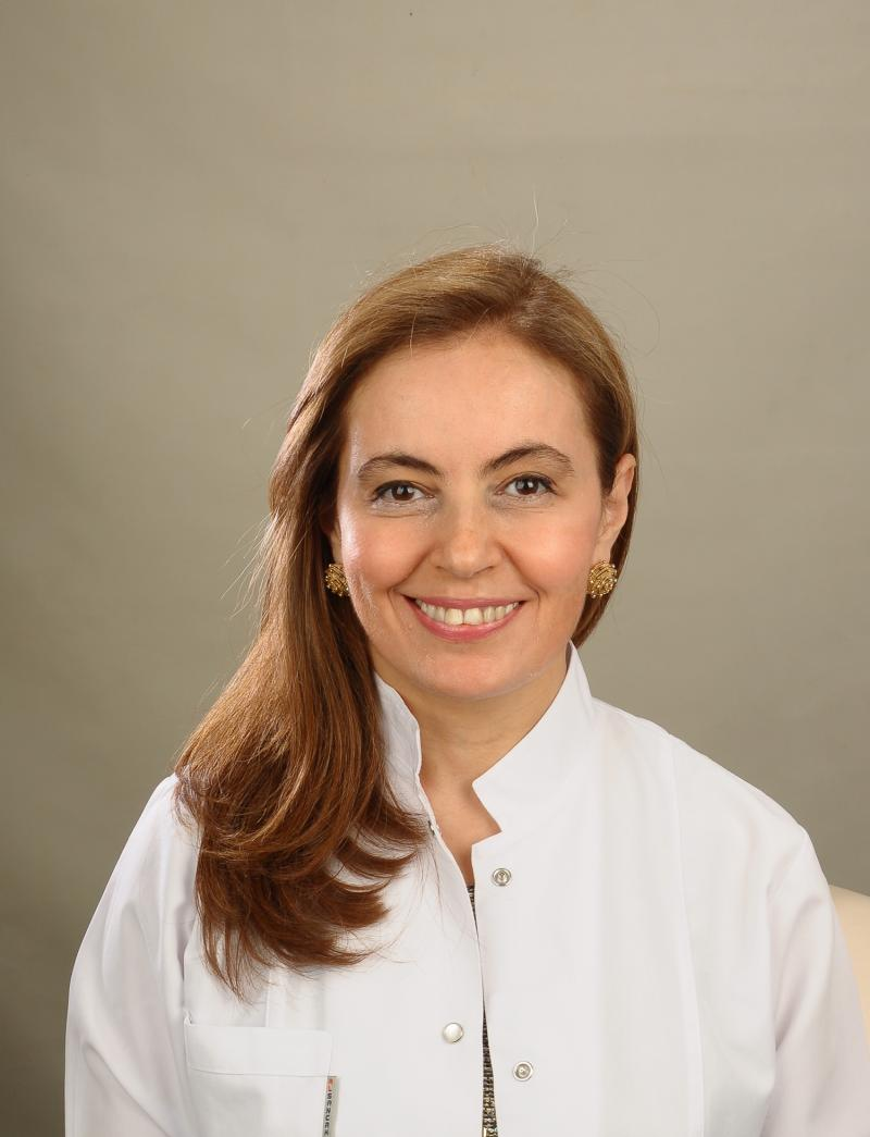 Prof. Dr. Derya Özçelik .jpg