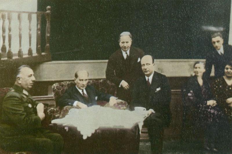 Dirik ve Atatürk 3.jpg
