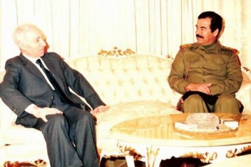 Mişel Eflak ve Saddam Hüseyin.jpg