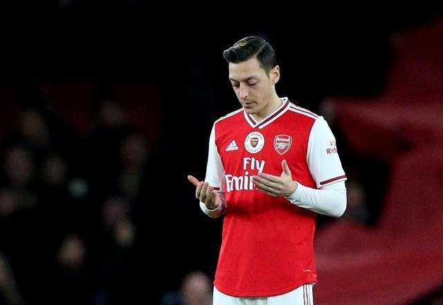 Mesut Özil-Reuters5.jpg