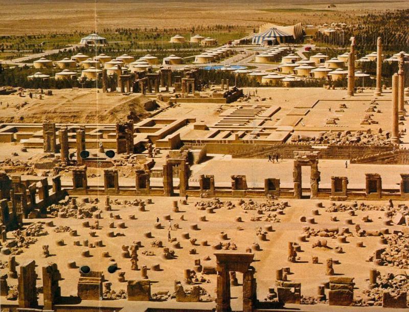 Persepolis harabeleri ve konuk çadırları-001.jpg