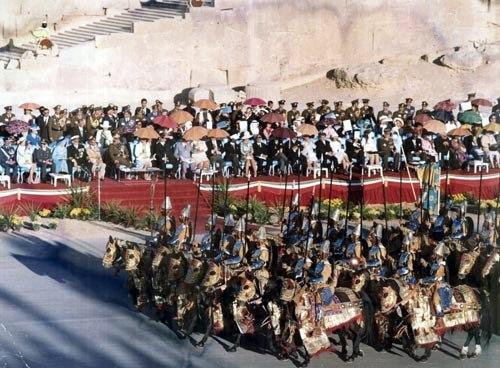 2500. Yıl töreninde Pers Süvarileri geçiyor.jpg