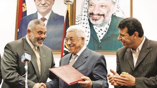 Filistin Başkanı M. Abbas ve Hamas Siyasi Büro Başkanı İ. Haniye-Bölgedeki değişimlerden en fazla etkilenen iki şahsiyet ve hala barışık değiller, .jpg