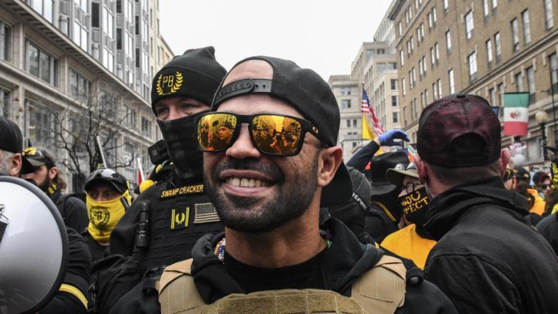 Irkçı ve şovenist Proud Boys örgütü lideri Kuba asıllı Enrique Tarrio. .jpg
