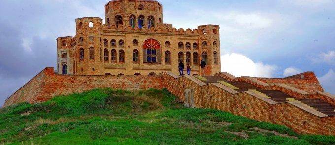 Caf aşiret reisi Muhammed Paşa tarafından kurulan Kalar Kalesi.jpg