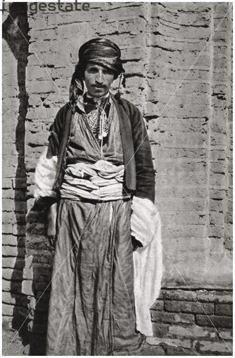 Caf mensubu- yıl 1923 Süleymaniye-Kaynak- Abdulkarim, Rotophot. A.G., Berlin.jpg