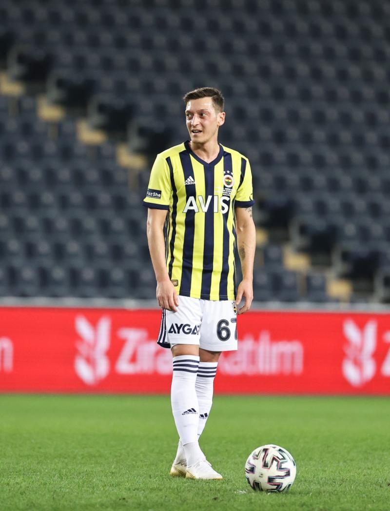 Mesut Özil-AA.jpg