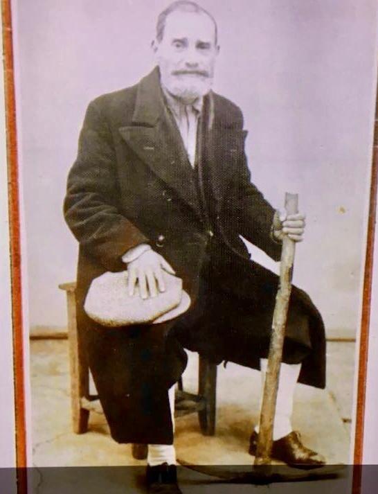 Moris Levi'nin dedesi David Kampeas'ın Aşkale Sürgünü sonrasında çektirdiği fotoğraf.jpg