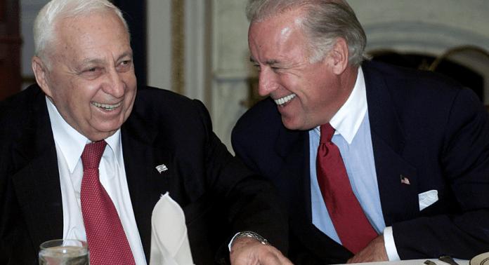 Biden ile İsrail eski Generali ve Başbakanı Ariel Şaron, yıl 2002-foto- politico.com_.png