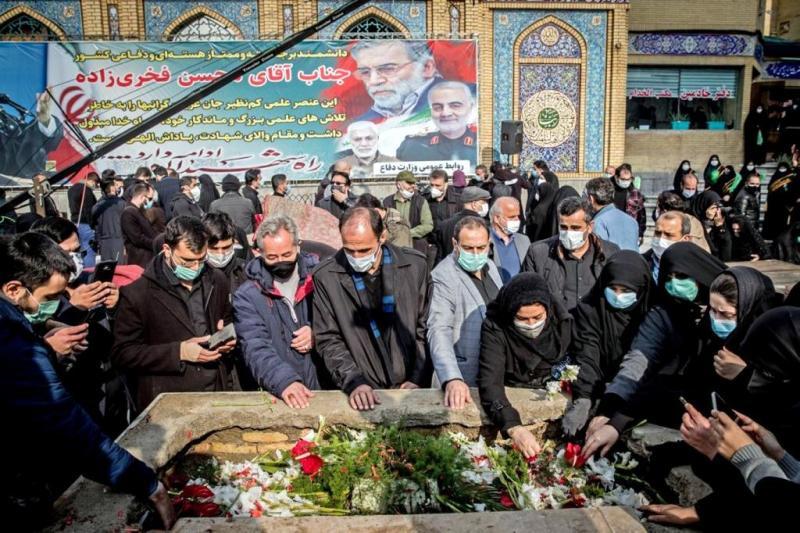 Suikast kurbanı olan İran Nükleer Enerji görevlisi Muhsin Fahrizade'nin cenaze merasimi-AFP.jpg