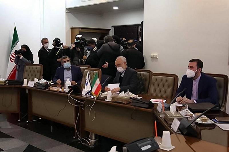 UAETK temsilcileri İran'da-kaynak-AFP.jpg