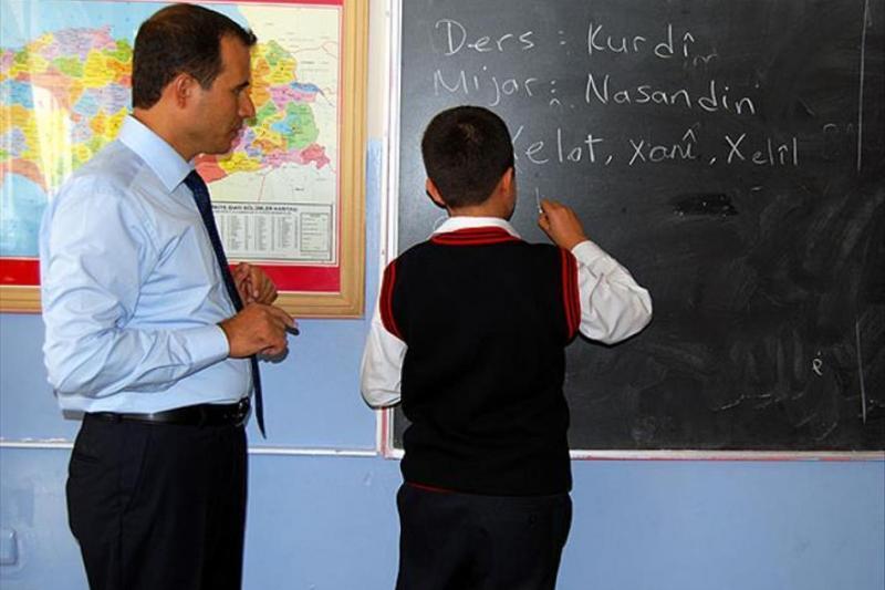 Kürtçe'nin seçmeli ders tercih edilmesi için kampanyalar düzenlendi
