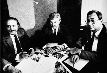 Emeç, Doğan Heper ve Mehmet Barlas'la birlikte gündemi değerlendirirken indigodergi.jpeg