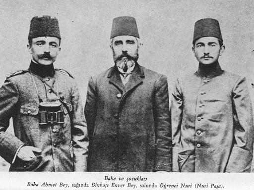 (Soldan sağa) Enver Paşa, babası Ahmet Bey, kardeşi Nuri Bey.jpg