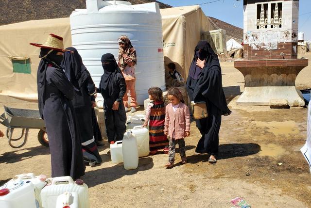 İç savaşın en büyük mağdurları Yemenli kadınlarla çocuklar-kaynak-independent arabia.jpg