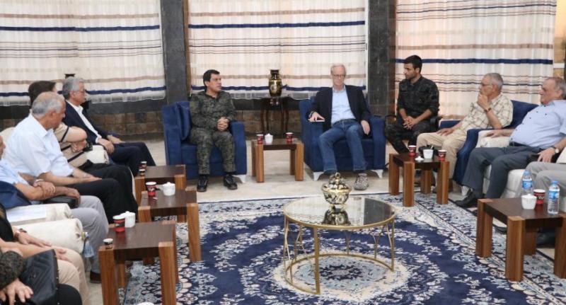 William Robak birlik görüşmeleri kapsamında birçok defa Kürt yetkililer ile bir araya geldi