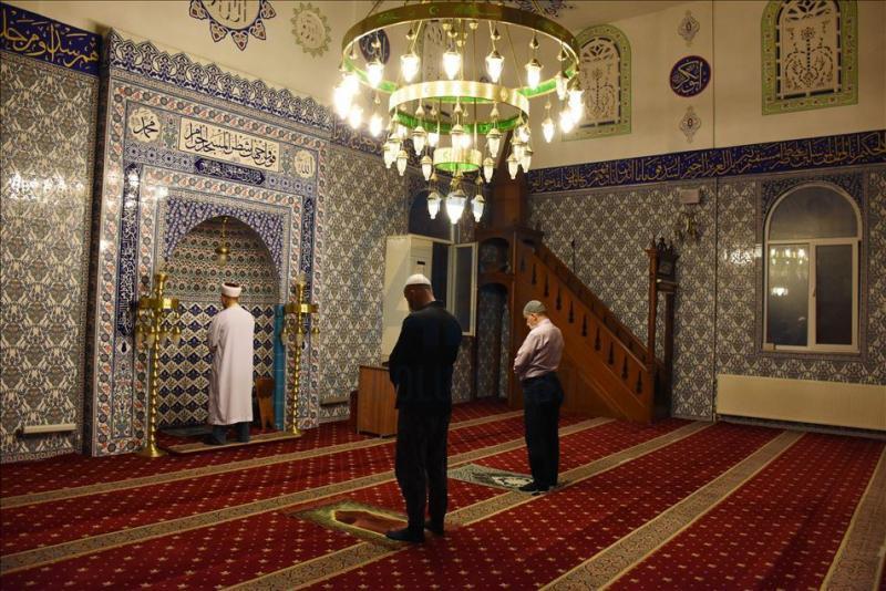 Alınan yeni kısıtlama kararı ramazanda açık olacak camilerdeki toplu ibadeti kapsamıyor