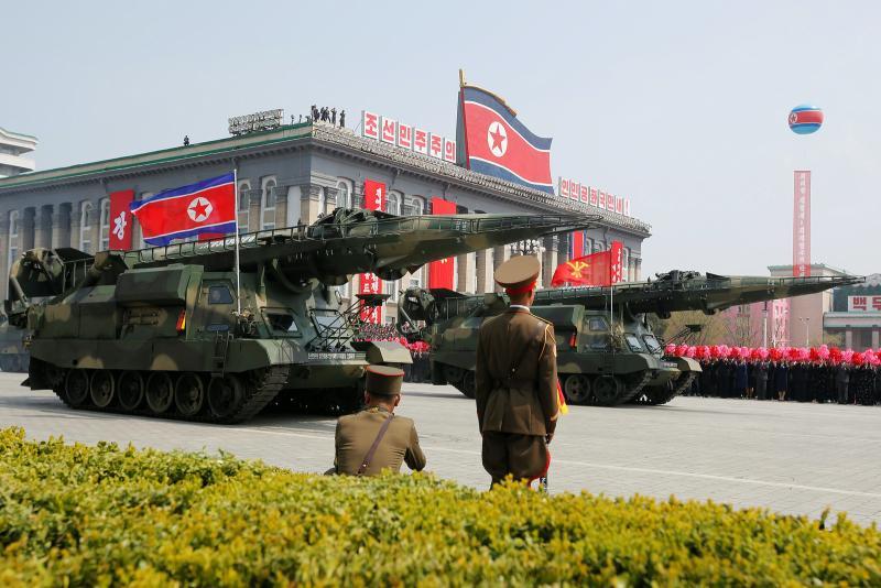 15 Nisan 2017-Kuzey Kore'deki bir füze gösterisi-fotoğraf, Reuters.jpg