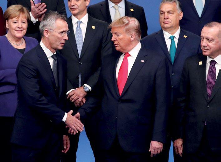 NATO zirvesinde liderler buluşması-Fotoğraf, Yves HermanReuters..jpg