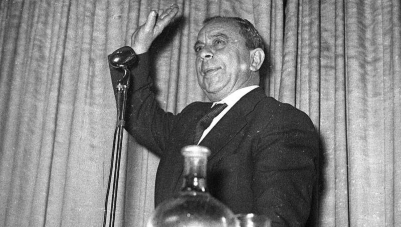 Kıbrıs Türk halkının varoluş ve özgürlük mücadelesi lideri Dr. Fazıl Küçük, 1958 yılında Ankara'da düzenlenen konferansa katıldı. (Arşiv) ( Hüseyin Ezer Arşivi - Anadolu Ajansı ).jpg