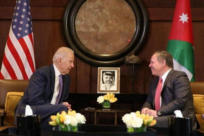 Joe Biden ile Kral II. Abdullah görüşmesi, 2016-fotoğraf- independent arabia.jpg
