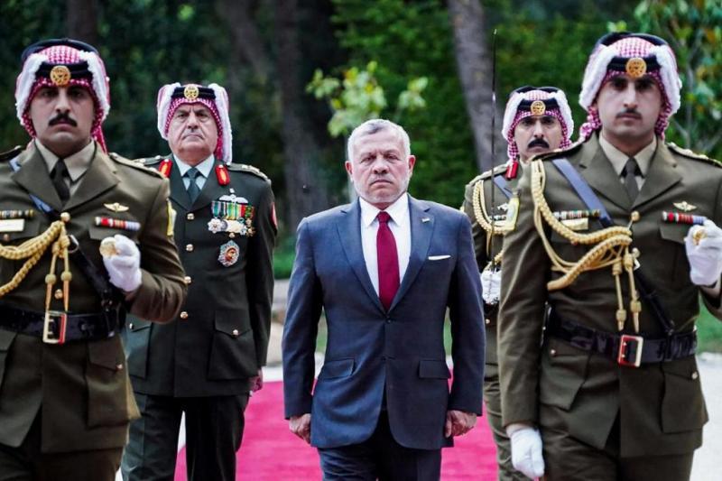 Kral II. Abdullah, bu krizde ordunun tam destğini aldı.fotoğraf-AFP.jpg