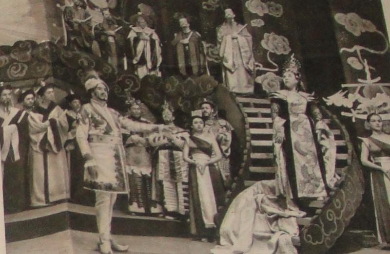 Ankara Devlet Operası'nın sahnelediği ve Scala Operası sanatçılarının da iştirak ettikleri Giocoma Puccini'nin Turendot.jpg