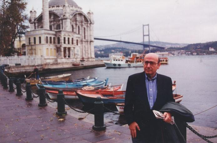 Theodoros Angelopoulos (İstanbul-a).jpg