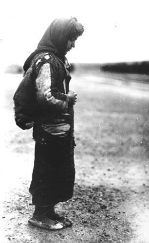 Mülteci bir Ermeni kızı,1918-1920.jpg
