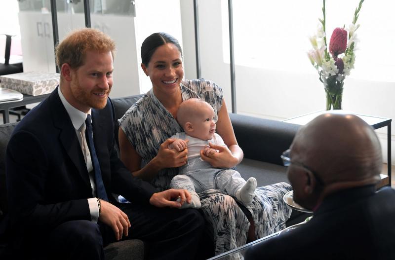 le-prince-harry-duc-sussex-meghan-markle-duchesse-sussex-avec-leur-fils-archie-ont-renc.jpg