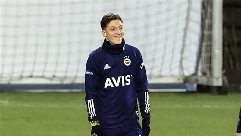Mesut Özil - AA.jpg
